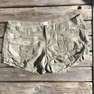 💥5/$25 AEO Camo Cargo Shorts